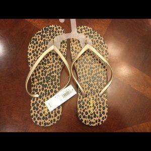 Size 7, Old Navy leopard print flip flops
